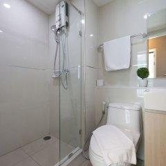 Отель Like Sukhumvit 16 Бангкок ванная фото 2