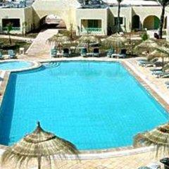 Отель Diar Yassine Тунис, Мидун - отзывы, цены и фото номеров - забронировать отель Diar Yassine онлайн бассейн