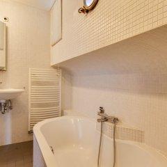 Апартаменты Houseboat Apartments - Canal Belt East Area ванная
