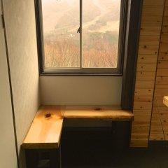 Отель Kamoshika Views Хакуба удобства в номере фото 2