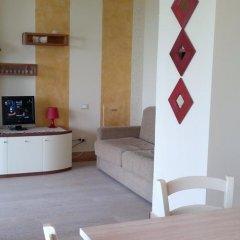 Отель Residence Il Fiore Del Garda Манерба-дель-Гарда в номере