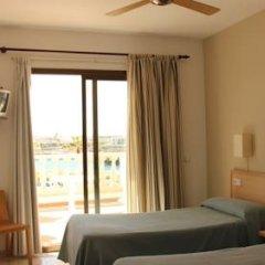 Отель Hostal Sa Prensa Испания, Сьюдадела - отзывы, цены и фото номеров - забронировать отель Hostal Sa Prensa онлайн комната для гостей