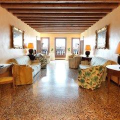 Отель Locanda Ai Santi Apostoli интерьер отеля