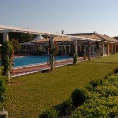 Отель Agriturismo Al Parco Лечче бассейн