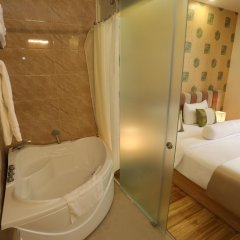 Thuy Sakura Hotel & Serviced Apartment ванная