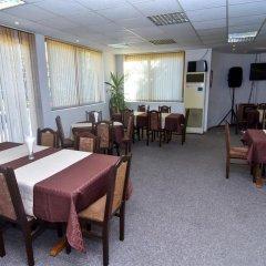 Отель Family Hotel Saint Iliya Болгария, Бургас - отзывы, цены и фото номеров - забронировать отель Family Hotel Saint Iliya онлайн помещение для мероприятий фото 2