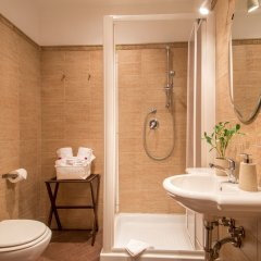 Отель Vaticano Julia Luxury Rooms ванная фото 3