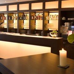 Отель LiViN Residence by Fleming´s Frankfurt - Seilerstraße Германия, Франкфурт-на-Майне - 1 отзыв об отеле, цены и фото номеров - забронировать отель LiViN Residence by Fleming´s Frankfurt - Seilerstraße онлайн гостиничный бар