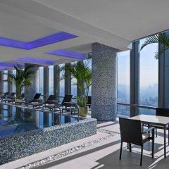 Отель Sheraton Seoul D Cube City Hotel Южная Корея, Сеул - отзывы, цены и фото номеров - забронировать отель Sheraton Seoul D Cube City Hotel онлайн бассейн