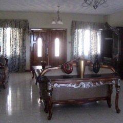 Отель Fay's Bed and Breakfast интерьер отеля