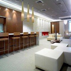 Отель Global Luxury Suites at Columbus гостиничный бар