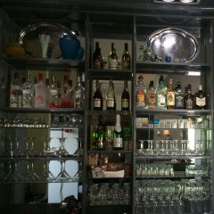 Отель Клуб Стрелецъ Кыргызстан, Бишкек - отзывы, цены и фото номеров - забронировать отель Клуб Стрелецъ онлайн гостиничный бар