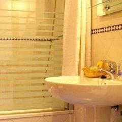 Отель Apartamentos Luxsevilla Palacio Испания, Севилья - отзывы, цены и фото номеров - забронировать отель Apartamentos Luxsevilla Palacio онлайн ванная