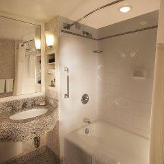 Отель New York Hilton Midtown США, Нью-Йорк - отзывы, цены и фото номеров - забронировать отель New York Hilton Midtown онлайн ванная фото 5