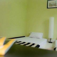 Baan Nampetch Hostel Бангкок комната для гостей фото 3