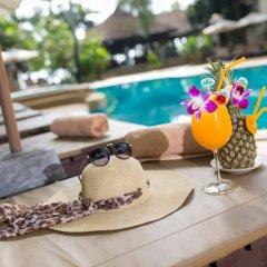 The Fair House Beach Resort & Hotel бассейн