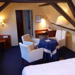 Anselmus Hotel сейф в номере