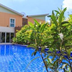 Отель U-tiny Boutique Home Suvarnabh Бангкок бассейн