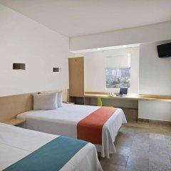 Отель One Acapulco Costera комната для гостей фото 4