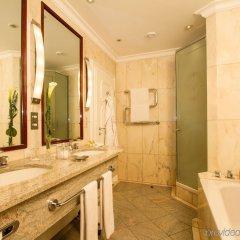 Отель Excelsior Hotel Ernst am Dom Германия, Кёльн - 9 отзывов об отеле, цены и фото номеров - забронировать отель Excelsior Hotel Ernst am Dom онлайн ванная