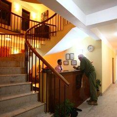 Отель Royal Astoria Hotel Непал, Катманду - отзывы, цены и фото номеров - забронировать отель Royal Astoria Hotel онлайн интерьер отеля