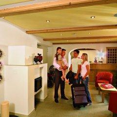 Hotel Bergfrieden Монклассико интерьер отеля