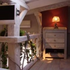 Отель Interieurs-Cour Франция, Ницца - отзывы, цены и фото номеров - забронировать отель Interieurs-Cour онлайн