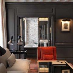 Отель Marquis Faubourg Saint Honoré - Relais & Châteaux Франция, Париж - 1 отзыв об отеле, цены и фото номеров - забронировать отель Marquis Faubourg Saint Honoré - Relais & Châteaux онлайн гостиничный бар