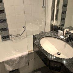 Отель Le Cardinal Париж ванная