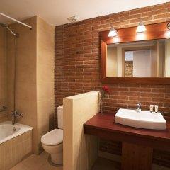 Отель Serennia Cest Apartamentos Arc de Triomf Испания, Барселона - 1 отзыв об отеле, цены и фото номеров - забронировать отель Serennia Cest Apartamentos Arc de Triomf онлайн ванная