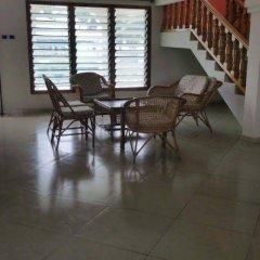 Отель The Beach house Гана, Шама - отзывы, цены и фото номеров - забронировать отель The Beach house онлайн интерьер отеля