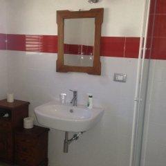 Отель B&B Falcone Италия, Кастровиллари - отзывы, цены и фото номеров - забронировать отель B&B Falcone онлайн ванная