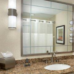 Отель New York Marriott Marquis США, Нью-Йорк - 8 отзывов об отеле, цены и фото номеров - забронировать отель New York Marriott Marquis онлайн ванная фото 2