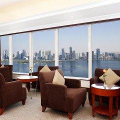 Отель Hilton Sharjah ОАЭ, Шарджа - 10 отзывов об отеле, цены и фото номеров - забронировать отель Hilton Sharjah онлайн комната для гостей фото 4