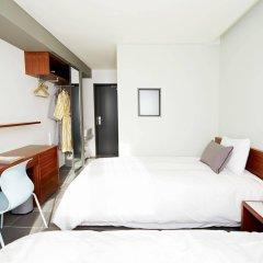 Отель Floral Hotel ShinShin Seoul Myeongdong Южная Корея, Сеул - 1 отзыв об отеле, цены и фото номеров - забронировать отель Floral Hotel ShinShin Seoul Myeongdong онлайн сейф в номере
