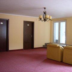 ADIS Holiday Inn Hotel интерьер отеля