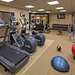 Отель Hilton St. Louis Downtown Сент-Луис фитнесс-зал