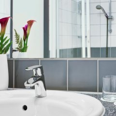 Отель IntercityHotel Hamburg Hauptbahnhof ванная