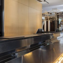 AC Hotel Milano by Marriott интерьер отеля
