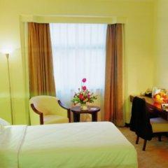 Отель Zhujiang Overseas комната для гостей