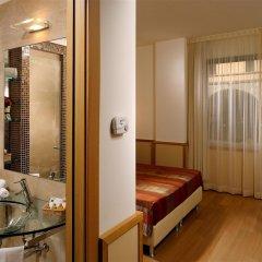 Отель Best Western Hotel City Италия, Милан - 1 отзыв об отеле, цены и фото номеров - забронировать отель Best Western Hotel City онлайн ванная