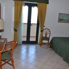 Отель Albergo Le Briciole Проччио комната для гостей фото 5