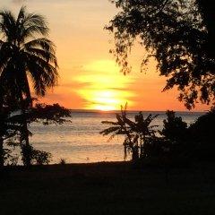 Отель Crusoe's Retreat Фиджи, Вити-Леву - отзывы, цены и фото номеров - забронировать отель Crusoe's Retreat онлайн пляж фото 2