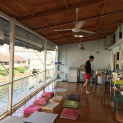 Baan Nampetch Hostel Бангкок питание