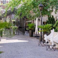 Отель Les Jardins Du Marais Париж бассейн фото 2
