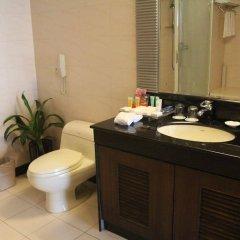 Отель Grand Holiday Hotel Китай, Шэньчжэнь - отзывы, цены и фото номеров - забронировать отель Grand Holiday Hotel онлайн ванная