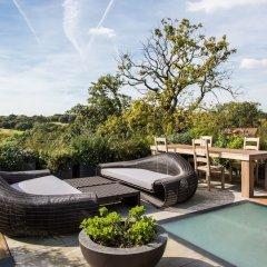 Отель onefinestay - Hampstead private homes бассейн