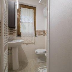 Отель Le Bozzelle - Two Bedroom Массароза ванная