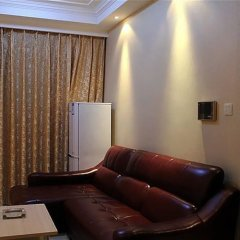 Отель Pinjing Guanghong Tianqi Apartment - Guangzhou Китай, Гуанчжоу - отзывы, цены и фото номеров - забронировать отель Pinjing Guanghong Tianqi Apartment - Guangzhou онлайн комната для гостей фото 2