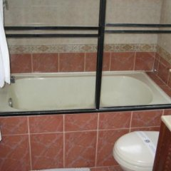Отель Suites House Centenario Колумбия, Кали - отзывы, цены и фото номеров - забронировать отель Suites House Centenario онлайн ванная фото 2